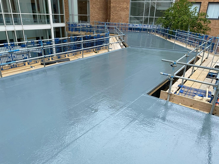RG Leverett install roof on new ward at N&N hospital